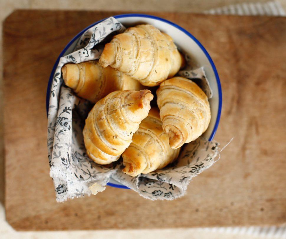 Croissant salati al rosmarino