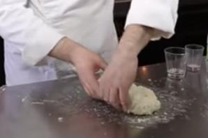 lavorazione impasto croissant